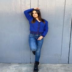 Es época de cardigans bonitos con nuestros jeans favoritos 💙… El Cárdigan Ela es ideal , en unos tonos Azul Klein que favorecen mucho a la piel 🙌🏽.