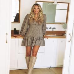 Empezar semana así , con las NOVEDADES más bonitas . . El vestido Savannah , no puede sentar mejor y ser más bonito 👉🏼 https://www.ninetashop.com/inicio/11638-32510-vestido-savannah.html#/78-tallas-xs